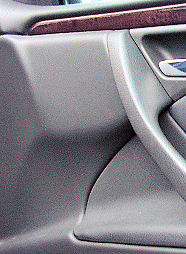 Kunststoffpflege im Fahrzeuginnenraum